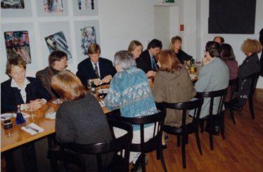 Abendessen von Ärzten in Freiburg im Breisgau, Baden-Württemberg, Schwarzwald, Deutschland